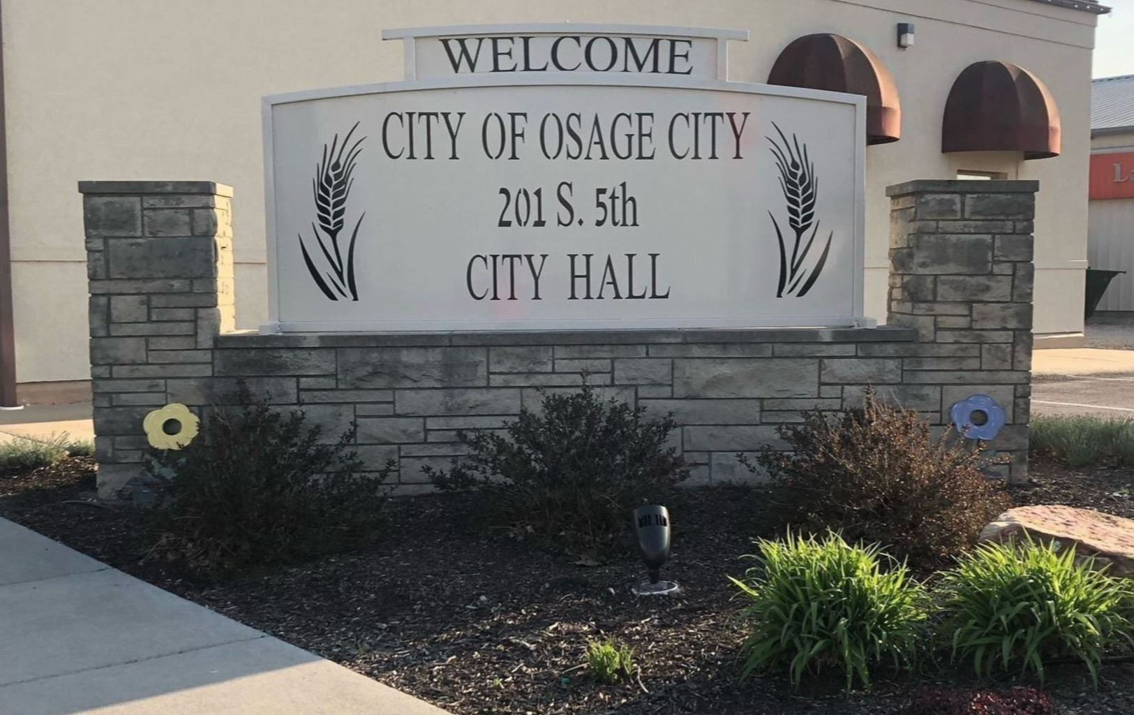 City Hall Welcome Sign (002)